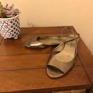 Diane von Furstenberg slingback sandal size 9B